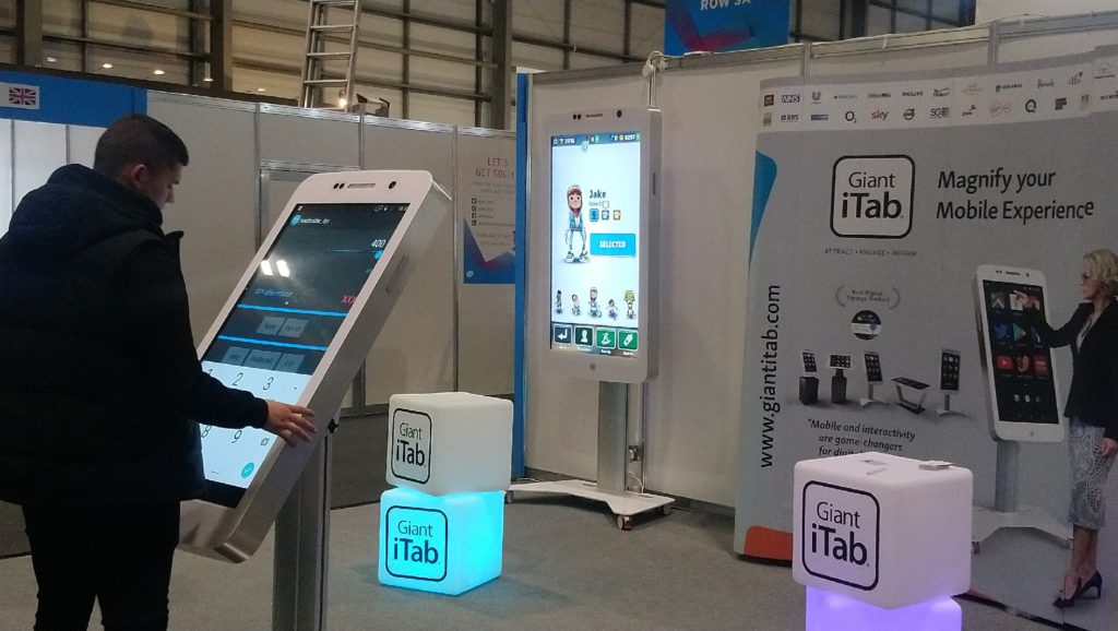 Giant iTab stand at BETT 2020 - huge mirroring for phones